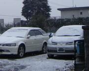 Car2008123snow_030
